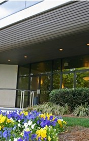 Keeping your business ' entrance clean and well-maintained  creates a good  impression for your customers.  We  even  pressure wash your sidewalks to keep them new and fresh-looking